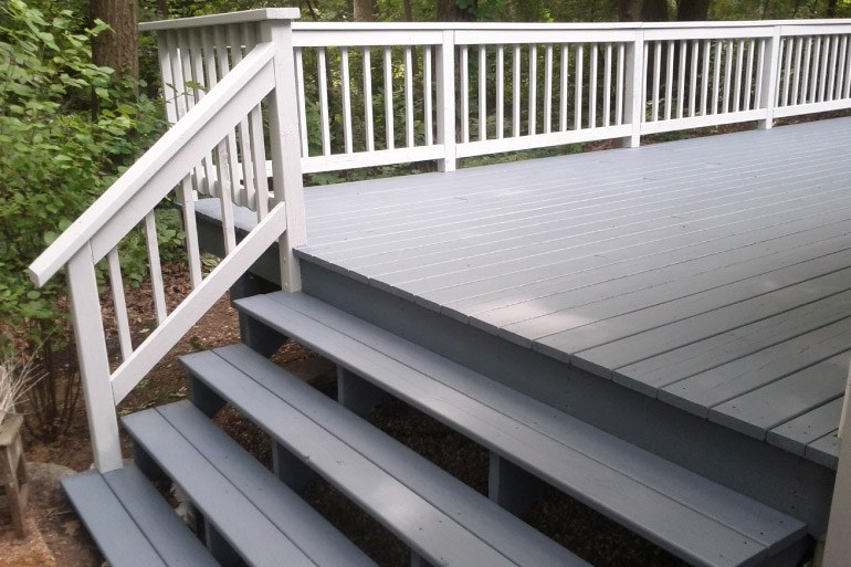 2 Color Stained Deck - Williams Bay WI