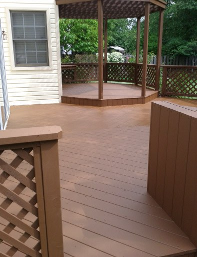 AFTER Solid Body Finish Stained Deck - Buffalo Grove IL